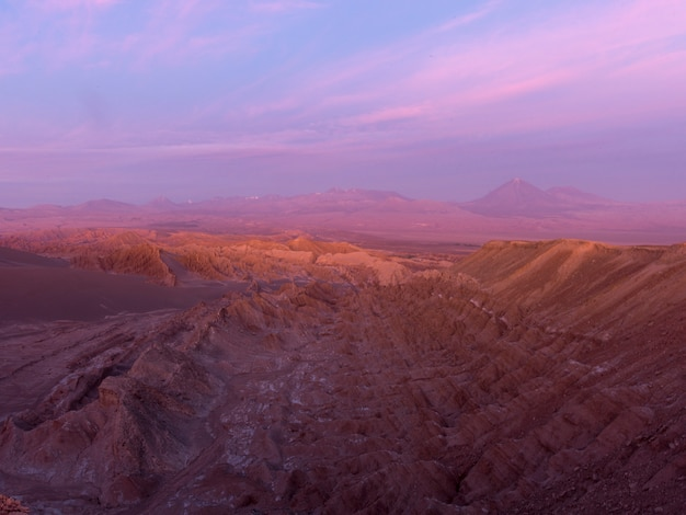 岩場、デス・バレー、サン・ペドロ・デ・アタカマ、エルロア県、アントファガスタ地方、ch Premium写真
