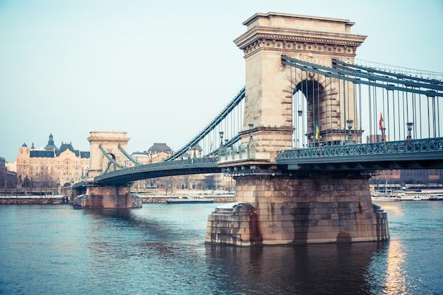 Chain bridge in budapest at dusk Premium Photo