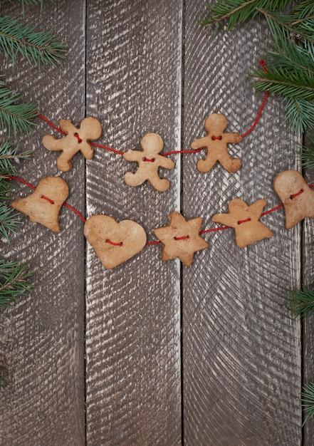 생강 빵 쿠키로 만든 체인 무료 사진