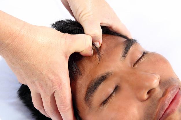 Chakras third eye massage ancient maya therapy Premium Photo
