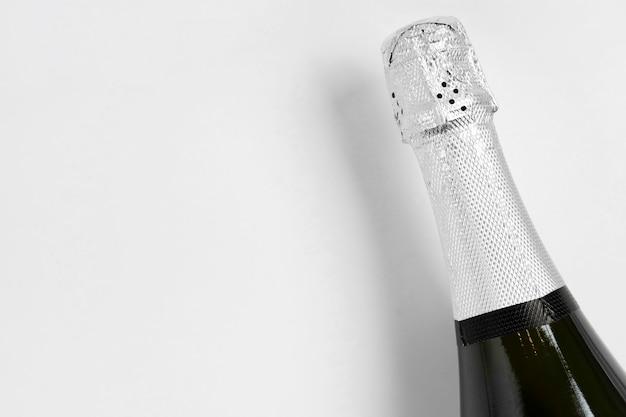 Бутылка шампанского с копией пространства Бесплатные Фотографии