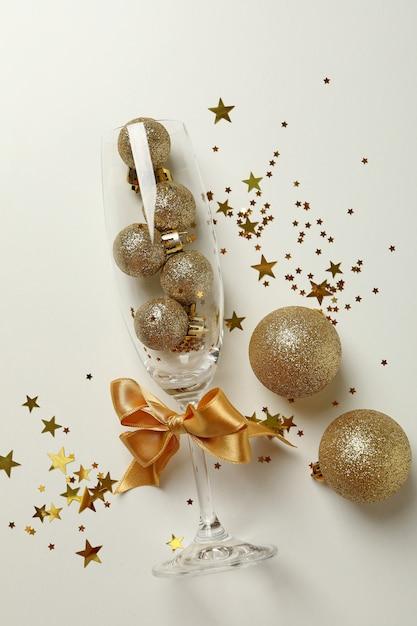 Taça de champagne decorada para passagem de ano | Moviflor