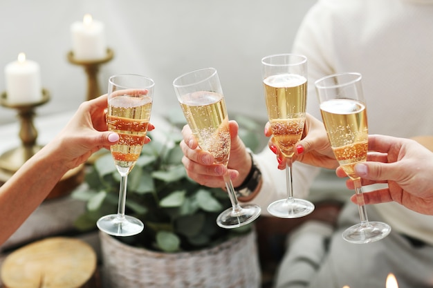Champagne toast Free Photo