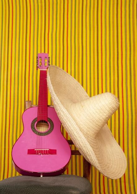 Charroメキシカンハットピンクギター Premium写真