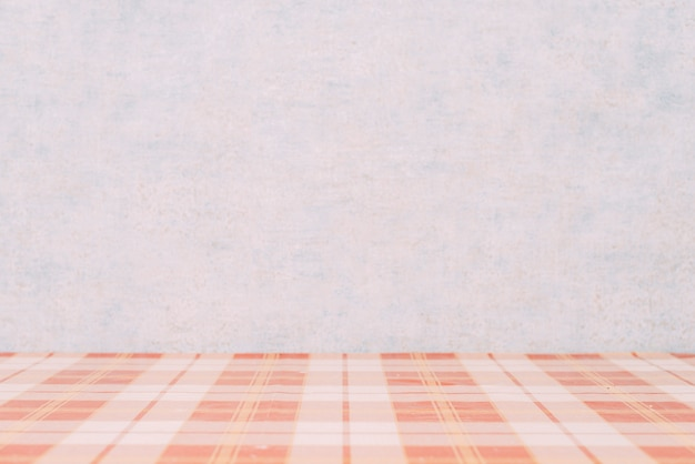 Клетчатая столешница возле стены Бесплатные Фотографии