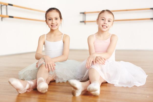 Cheerful ballerinas Free Photo