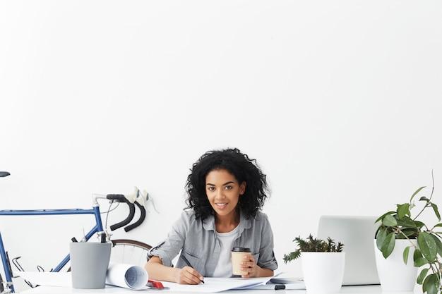 Работа стажера для девушки предлагаю девушкам работу