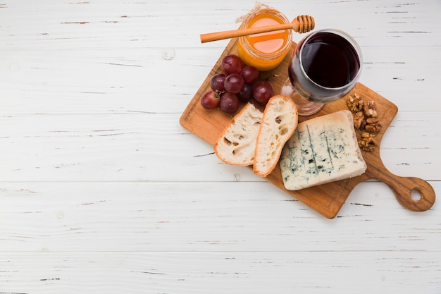 Cheese appetizer Free Photo