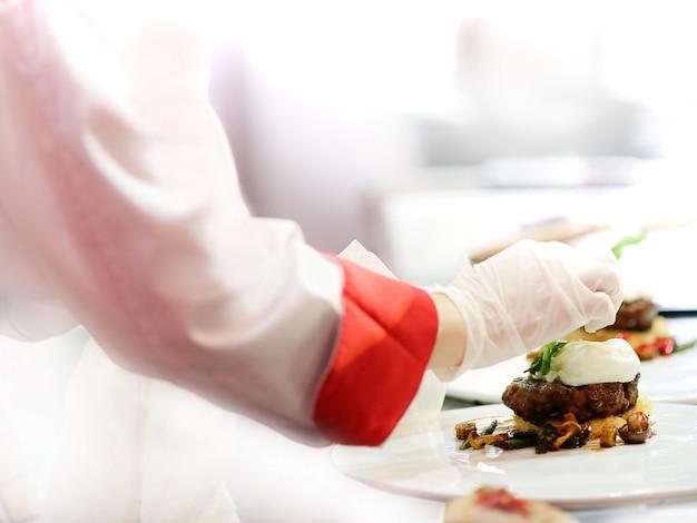 Chef cooking Premium Photo