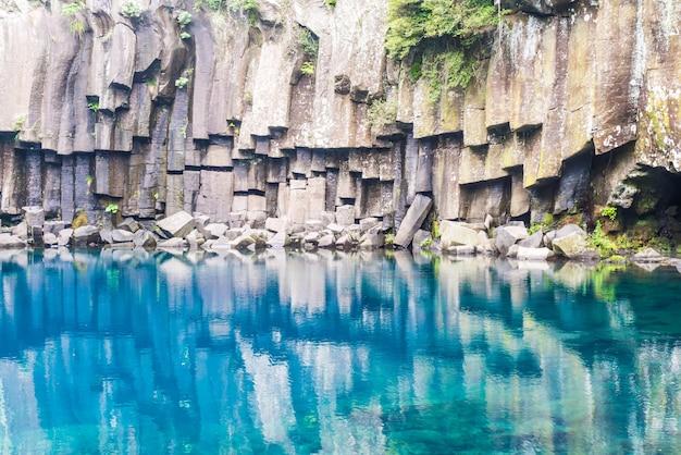 Cheonjeyeon waterfalls in jeju isaland Premium Photo