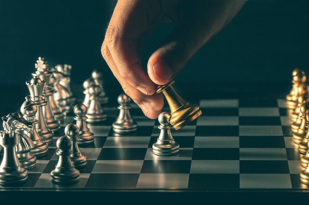 Chess handle moves in competitive games Premium Photo