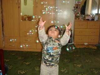 子を追うバブル 無料写真