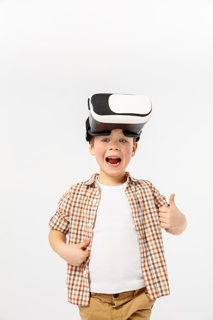 Child with virtual reality headset Free Photo