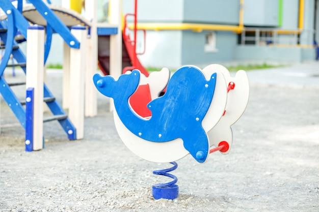 Детская площадка в детском саду Premium Фотографии
