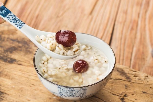 Chinese dessert glutinous rice porridge | Premium Photo
