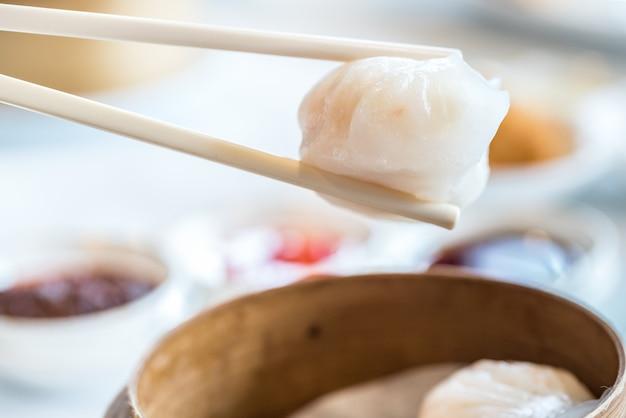 Chinese dim sum hagao Premium Photo