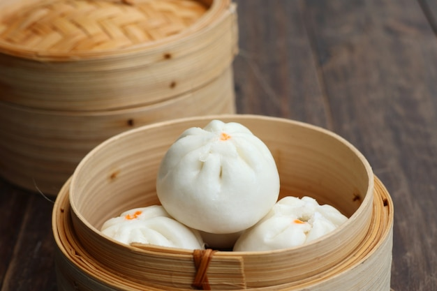 Chinese dumpling steamed buns Premium Photo