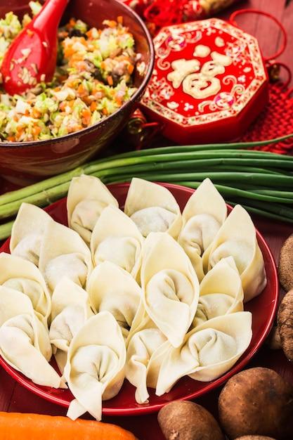 中華料理:伝統的な中国の休日のための餃子 無料写真