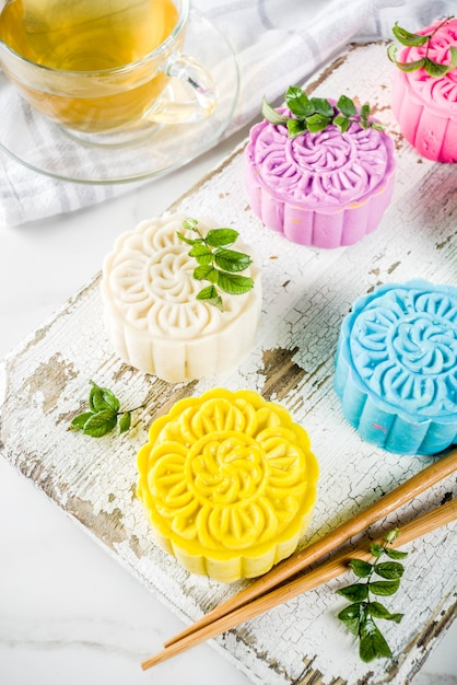 Chinese snowskin mooncakes Premium Photo