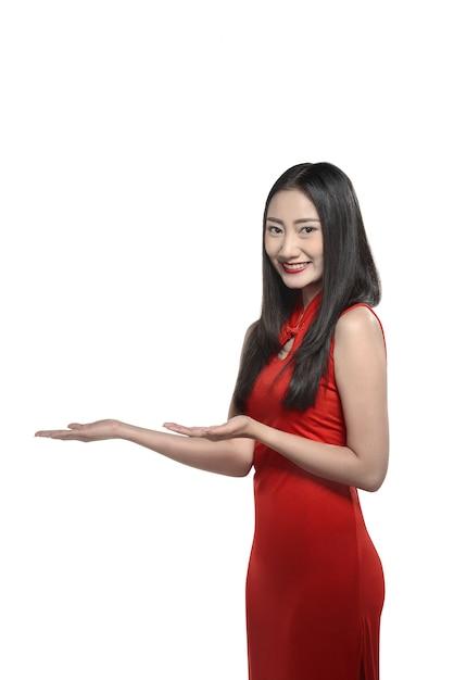 Chinese woman in red cheongsam dress Premium Photo