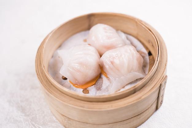 Chinesse food with stream pork dumpling Premium Photo