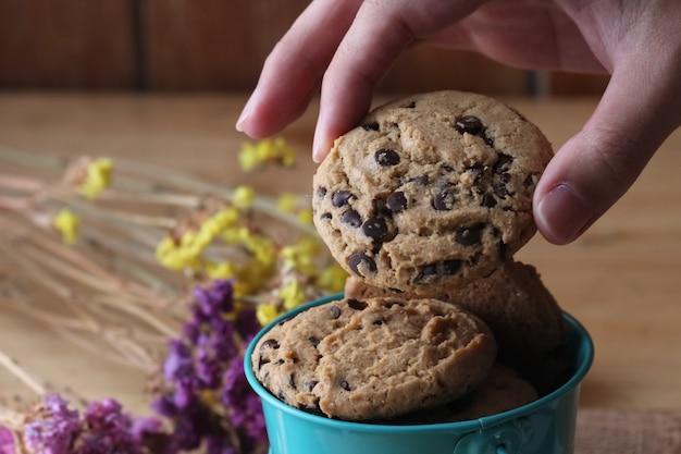 Chocolate chip cookie Premium Photo