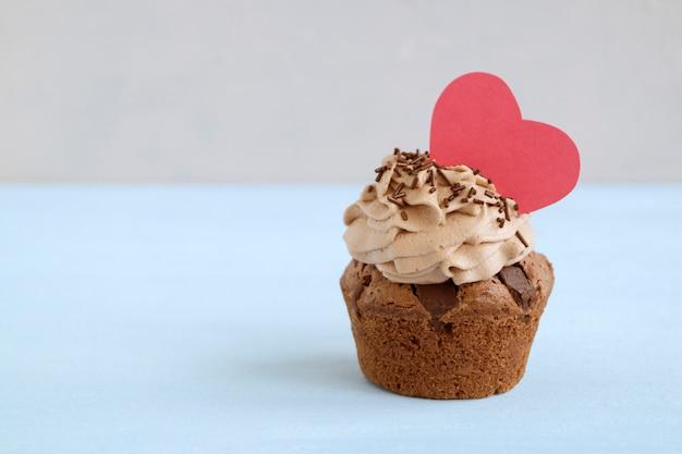 Chocolate cupcakes with chocolate pieces. homemade cake. Premium Photo