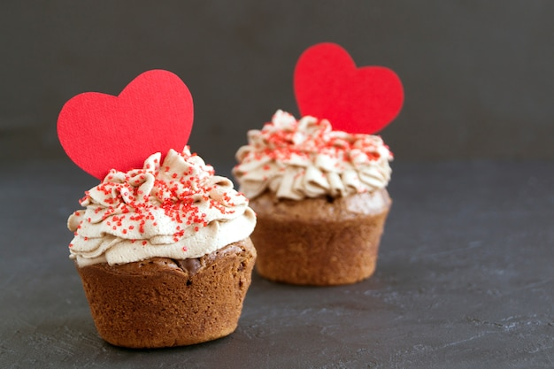 Chocolate cupcakes with chocolate pieces. homemade cake. Premium Photo
