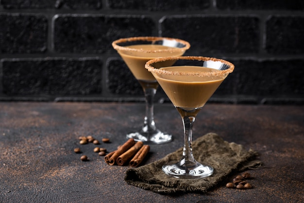 Chocolate martini cocktail or irish cream liquor Premium Photo