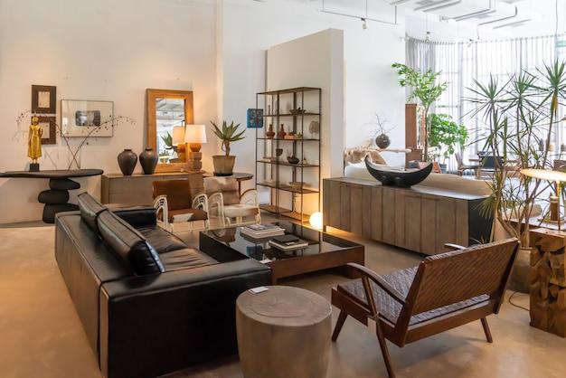 Chongqing, Chiny, 5 czerwca 2020: nowoczesna, jasna i komfortowa atmosfera w mieszkaniu wewnętrznym.  przygotowanie do ogólnego sprzątania, wyposażenia i sprzedaży domu.  Drewniana willa Wiejska Premium Zdjęcia