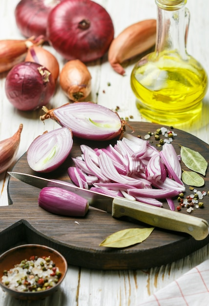 Chopped red onions. ingredients for onion chutney, marmalade, jam, marinade,  confiture, pickle Premium Photo