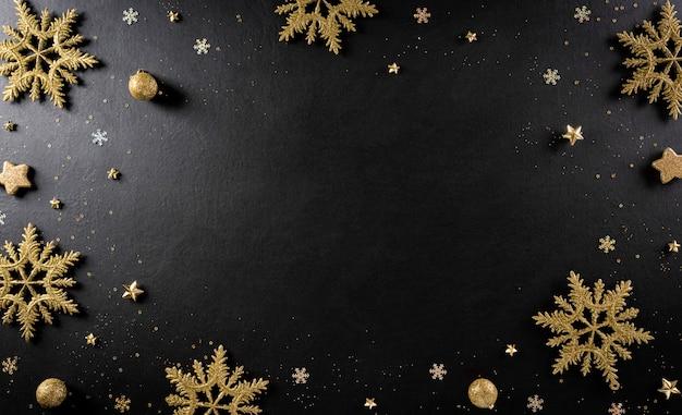Рождество и новый год фон концепции. вид сверху елочный шар, еловые ветки Premium Фотографии