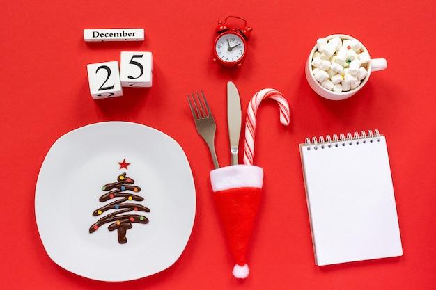 Christmas composition calendar december 25th Premium Photo