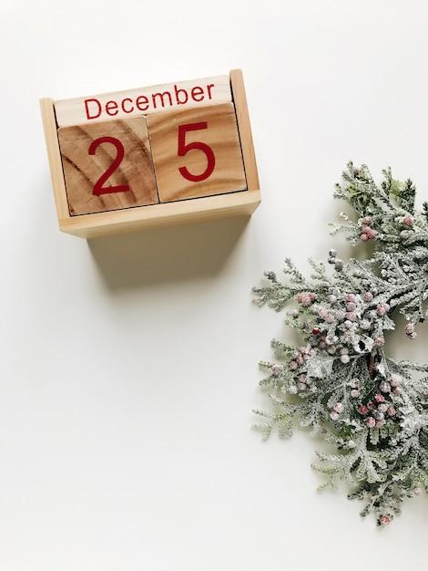 Christmas december 25 calendar Premium Photo