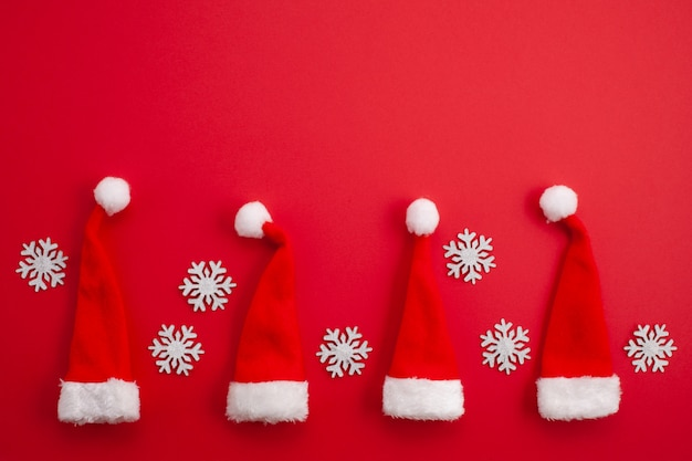 Christmas decoration with red santa hats Premium Photo