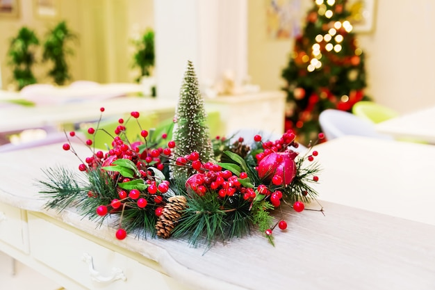 Wreath With Fir-tree Branches, Red