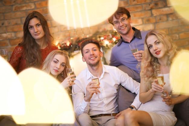 友達とのクリスマスイブ 無料写真