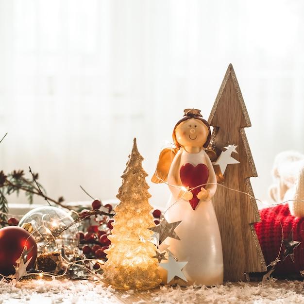 クリスマスのお祭りの装飾木製の背景の静物 Premium写真