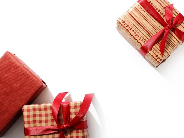 Рождественские подарки с красными лентами Бесплатные Фотографии