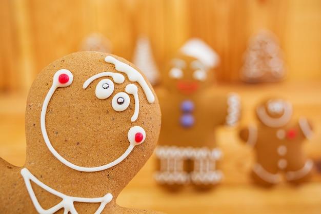 Christmas gingerbread cookies Premium Photo