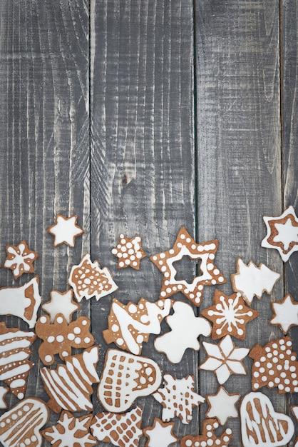 木の上のクリスマスジンジャーブレッド 無料写真