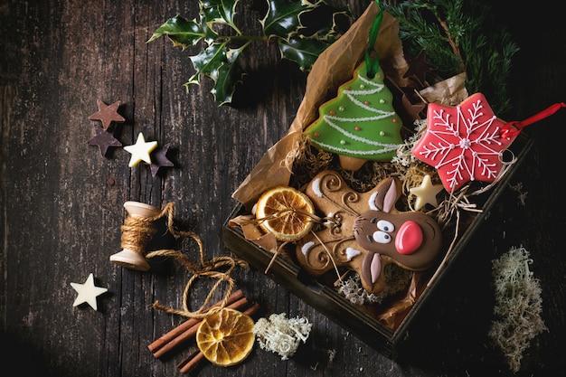Christmas handmade patterned gingerbreads Premium Photo