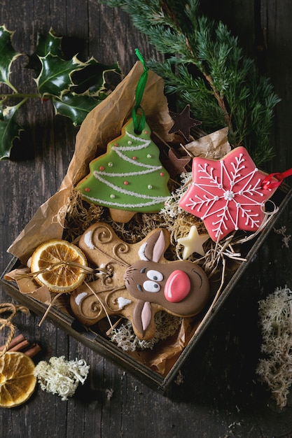 Christmas handmade patterned gingerbreads Premium Photo