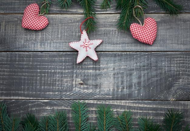 Рождественский орнамент на деревянном столе Бесплатные Фотографии