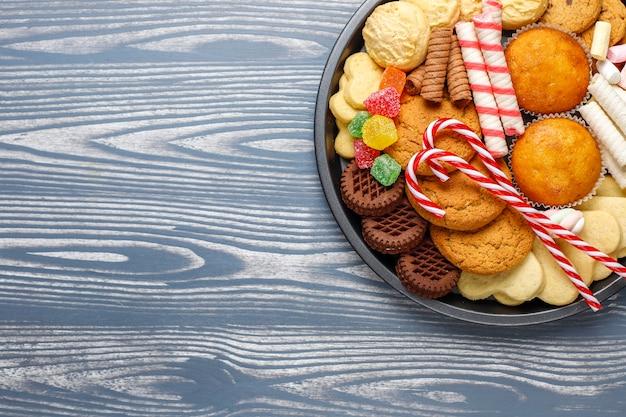 Piatto di dolci natalizi. Foto Gratuite