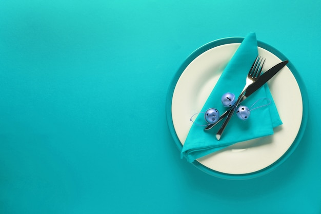 Christmas table place setting Premium Photo