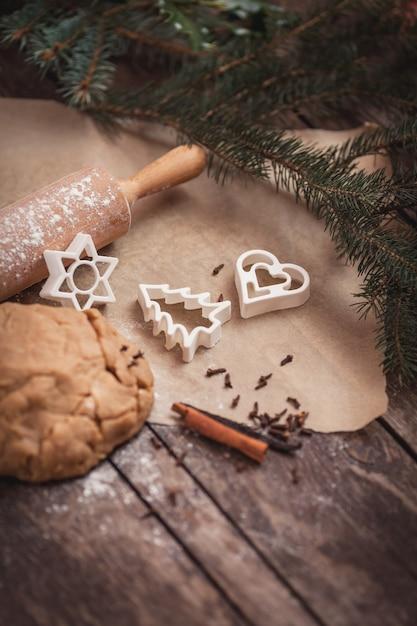 Tempo di natale per cuocere i biscotti Foto Gratuite