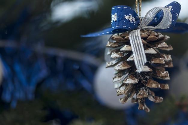Christmas tree globe ornament Premium Photo