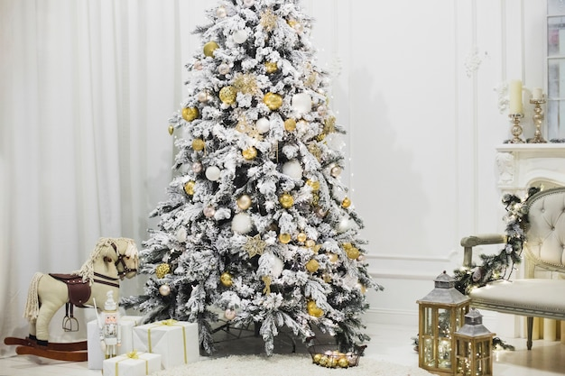 Christmas Tree In Living Room Free Photo