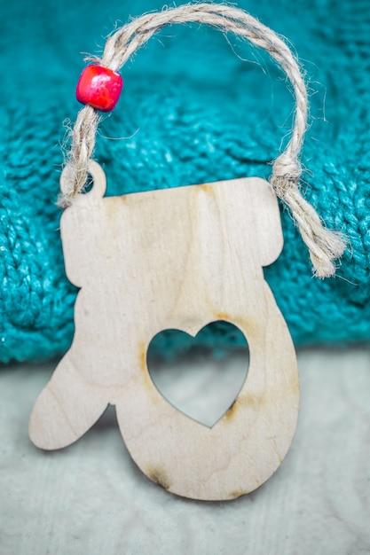 Рождественские деревянные игрушки на свитер крупным планом Бесплатные Фотографии